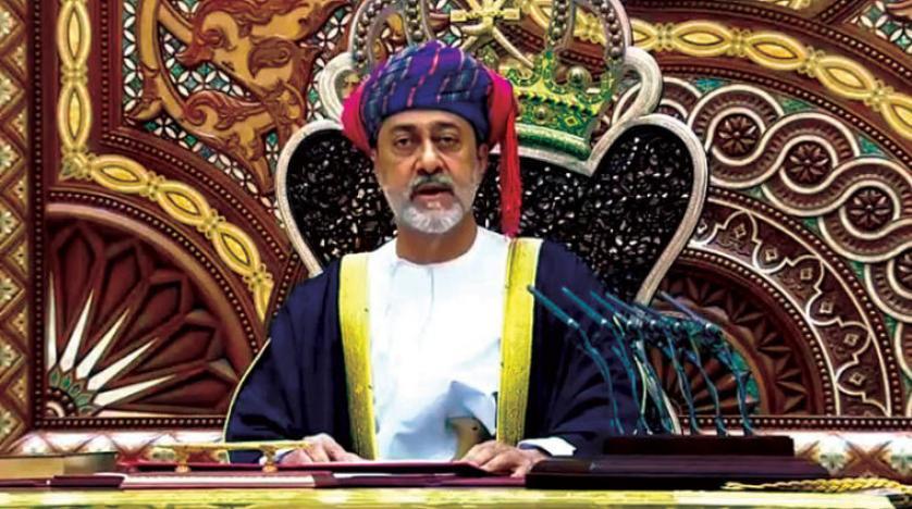 """موقع اماراتي يهاجم سلطان عمان الجديد.. """"جدة سلطان عُمان تركية وأبوه ولد بإسطنبول"""""""