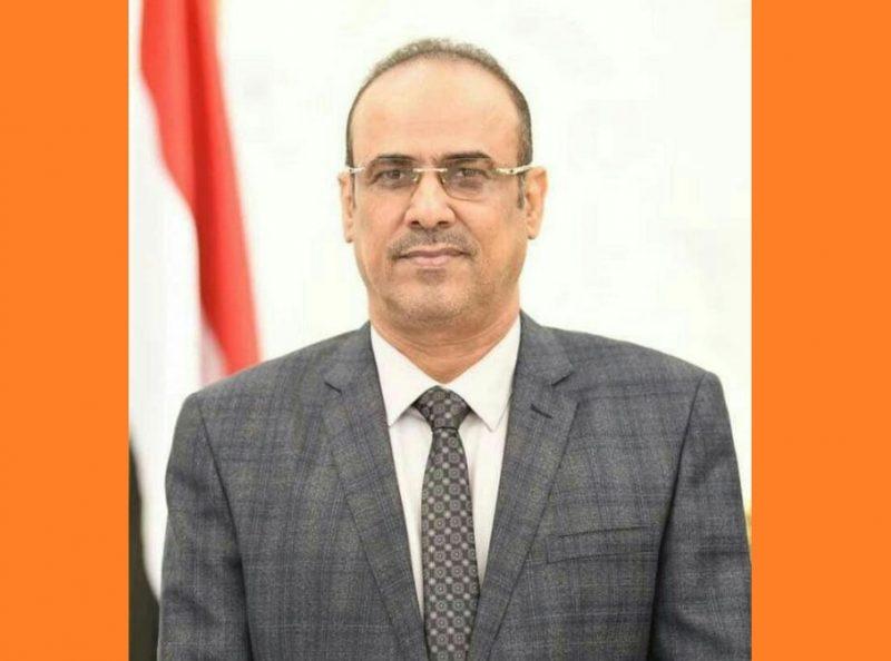 """نائب رئيس الوزراء وزير الداخلية """"الميسري"""" يعزي في استشهاد نجل محافظ الجوف"""