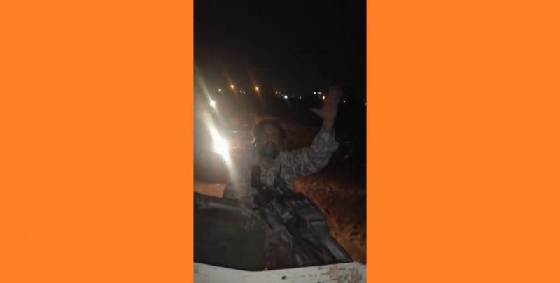 """لم يخض حرباً وسلم سلاحه في أول اشتباك مع الحوثي.. ناشطون يهزأون من القيادي الانفصالي """"أبو همام اليافعي"""""""