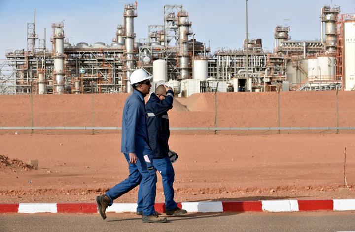 عقب الانهيار العالمي في سعر النفط.. الجزائر تخفض الإنفاق الحكومي 30%