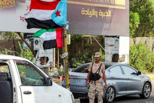 مسؤول حكومي: تعليق الإنتقالي تنفيذ اتفاق الرياض هروب من تنفيذ الشق العسكري ويمثل إساءة بحق السعودية