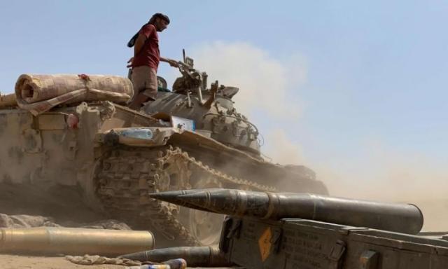 يحدث الان.. تجدد المواجهات في محافظة أبين بين قوات الجيش الوطني ومليشيات الانتقالي