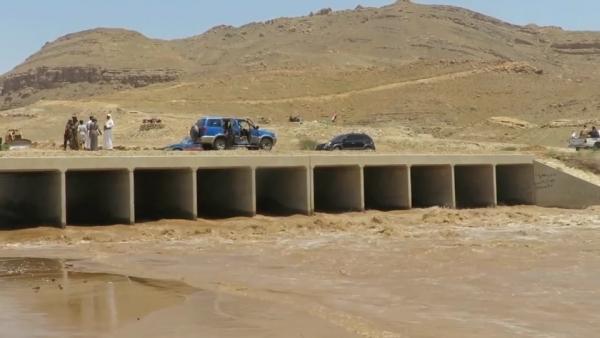 لمواجهة أضرار السيول في مأرب.. السلطة المحلية تخصص 100 مليون ريال