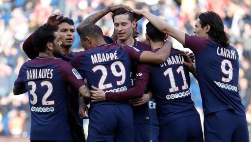 ثلاثة من لاعبي باريس سان جيرمان يصابون بفيروس كورونا