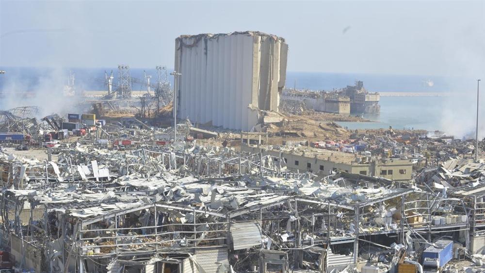 الجيش اللبناني يعلن عثوره على أطنان من نترات الأمونيوم في بيروت