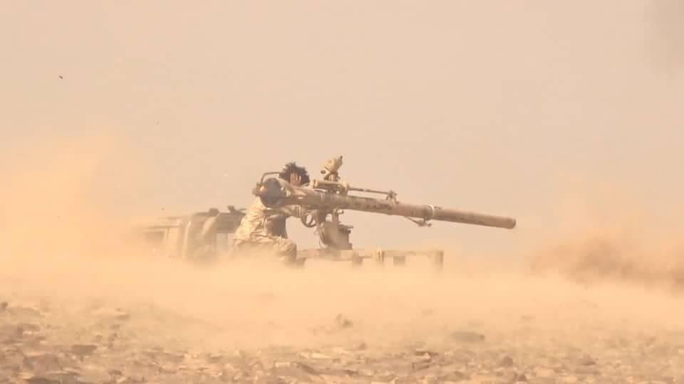 مصرع وإصابة عدد من عناصر مليشيا الحوثي بنيران الجيش وغارات التحالف في مأرب
