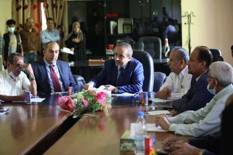 وزير التعليم العالي يزور جامعة تعز ويناقش استئناف العملية التعليمية