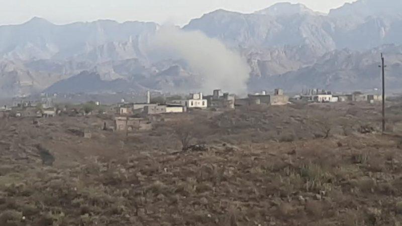 مليشيا الحوثي تقصف منازل المواطنين في الضالع بصواريخ الكاتيوشا