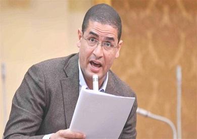 البرلماني المصري السابق محمد أبو حامد يبحث عن فرصة عمل عبر الفيس بوك