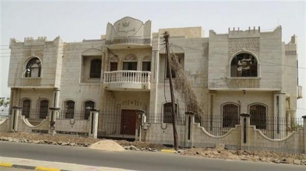 مليشيات المجلس الانتقالي الجنوبي تقتحم مبنى وكالة سبأ بالعاصمة المؤقتة عدن